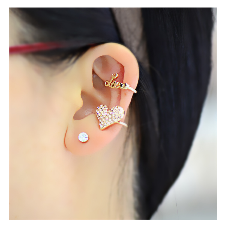 [LOVE rhinestone heart] Ear cuff