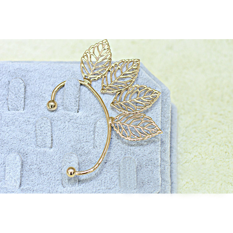 [Hollow metal leaf] Ear cuff